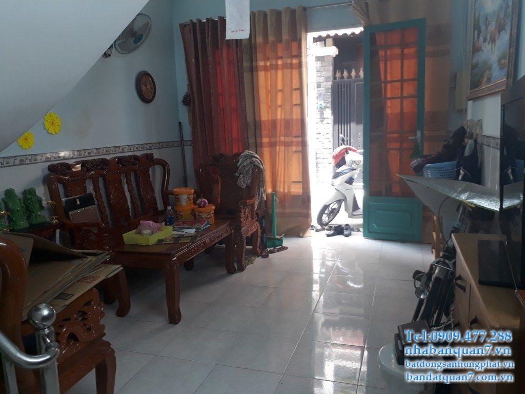 Bán nhà phường Phú Thuận giá rẻ