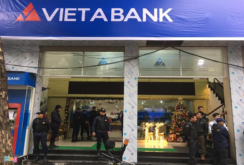 Ba ngân hàng bị chiếm đoạt hàng trăm tỷ đồng