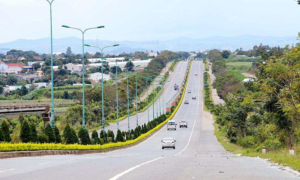 """""""Đặt cược"""" vào cao tốc Tân Phú – Bảo Lộc"""
