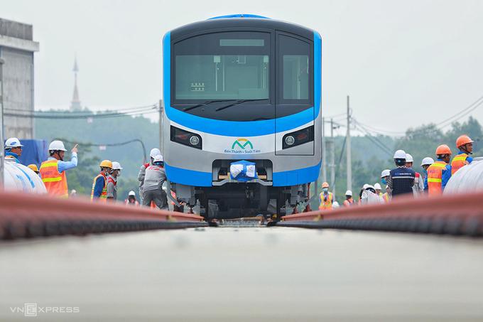 Bốn tàu Metro Số 1 sắp về TP HCM