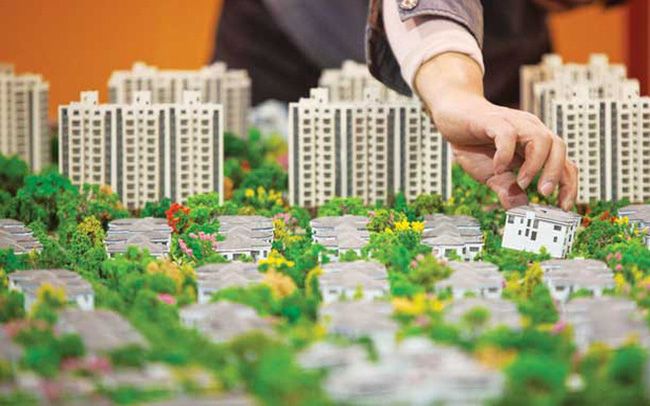 """Đất đai tăng giá vù vù, thị trường nhiều nơi """"nóng bỏng tay"""", liệu có còn cơ hội cho nhà đầu tư kiếm tiền to từ bất động sản?"""