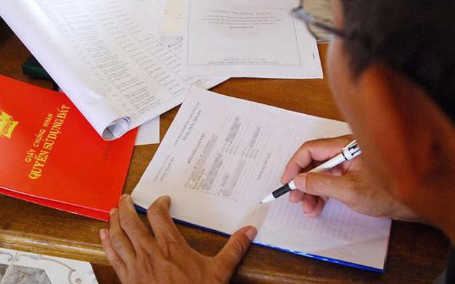 TP HCM rút ngắn thủ tục ký cấp sổ hồng cho người dân xuống 24 giờ
