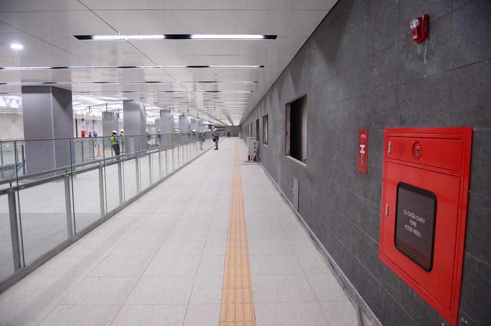 Ngắm diện mạo tầng B1 ga Ba Son tuyến Metro số 1